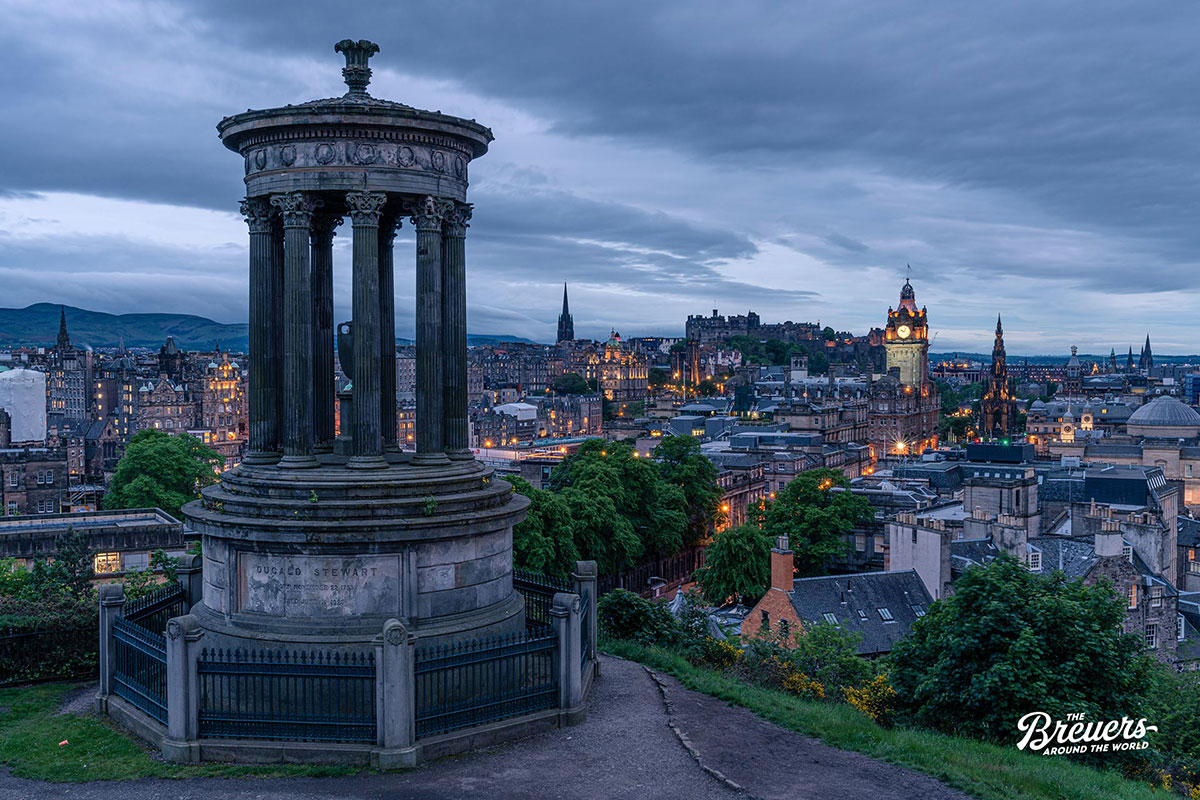 Calton Hill in Edinburgh Schottland
