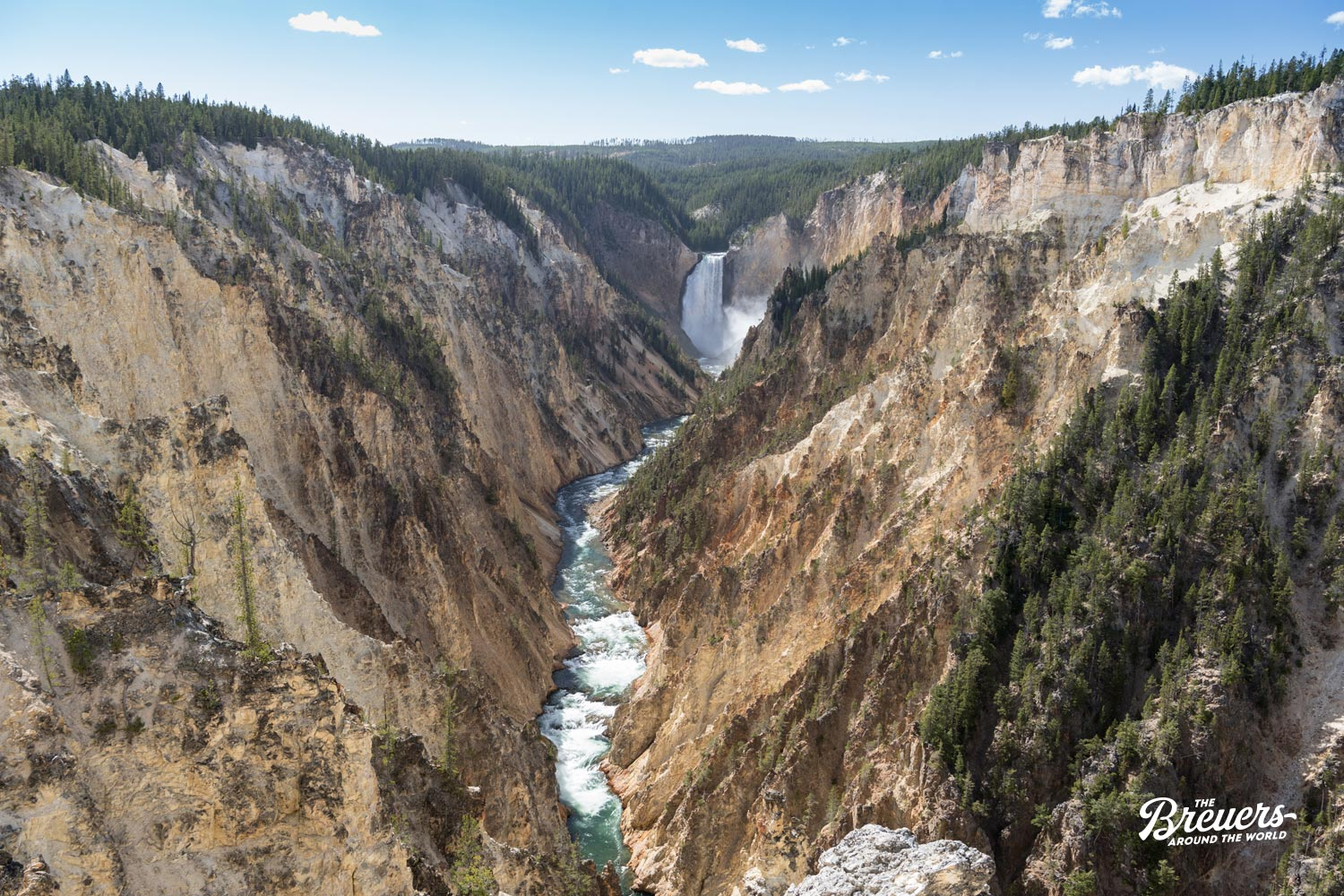 Blick in den tiefen Grand Canyon of Yellowstone